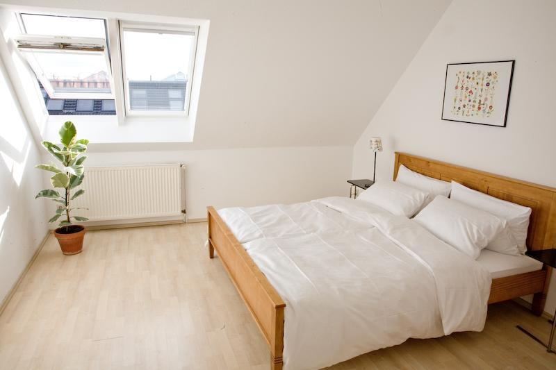 L5 master bedroom - Amazing Penthouse: terrace + view Prenzlauer Berg - Berlin - rentals