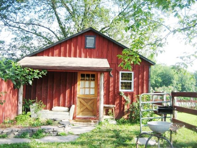 Mr Ed's Front Porch - Cabin on Horse Farm 1.75 hrs N of NYC w/ hot tub - Accord - rentals