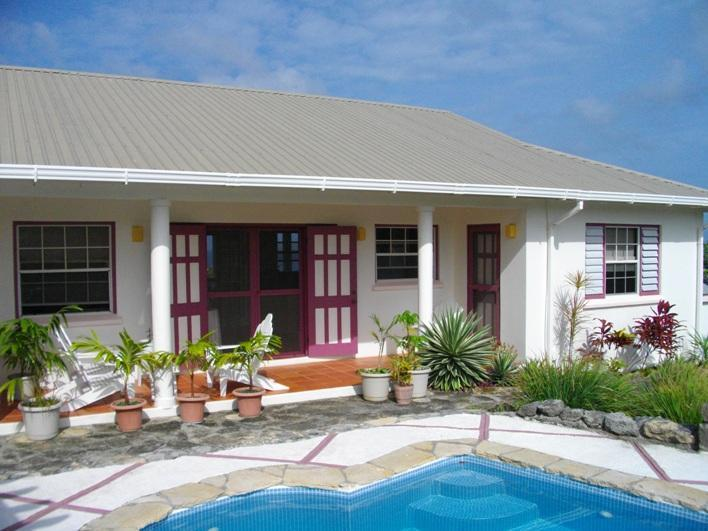 Shady north facing porch and pool - Peponi - Carriacou - rentals