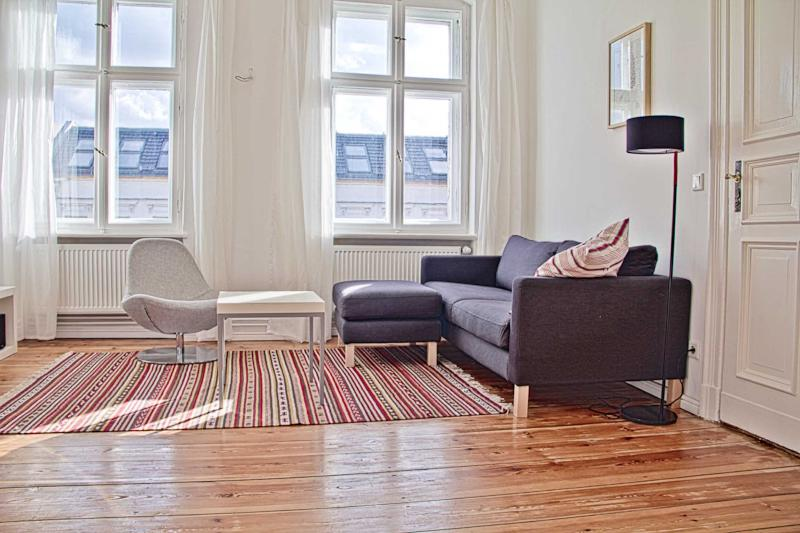 View over the roofs: sun-drenched balkony + stucco - Image 1 - Berlin - rentals