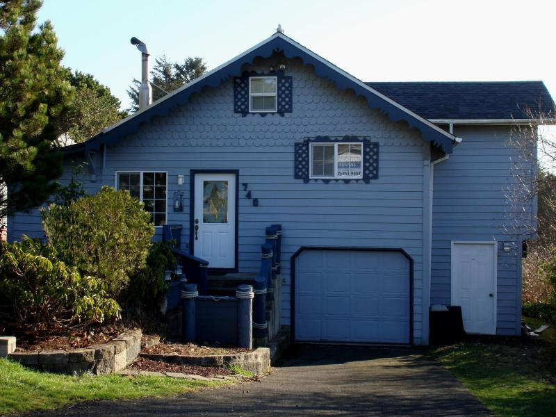5j's ....Best House Ever.... - Nautical Beach House at the Devil's Punchbowl! - Newport - rentals