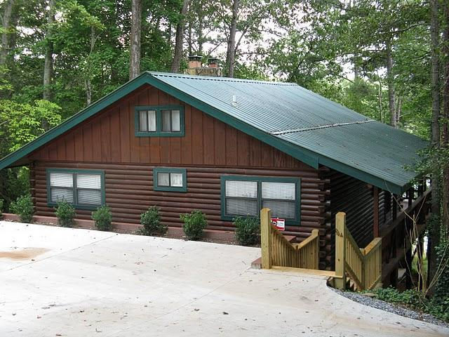Front of cabin - Cabin Fever on Lake Notley - Blairsville - rentals