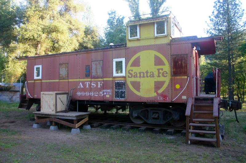 Entrance to Caboose - Little Red Caboose in the heart of Yosemite Area. - Oakhurst - rentals