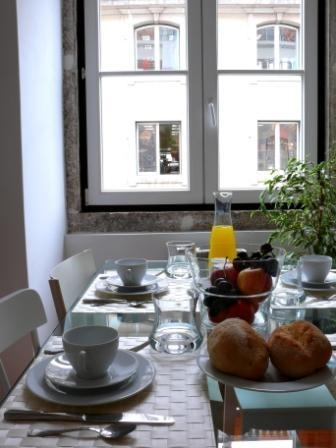 Apartment in Lisbon 206 - Baixa - managed by travelingtolisbon - Image 1 - Lisbon - rentals