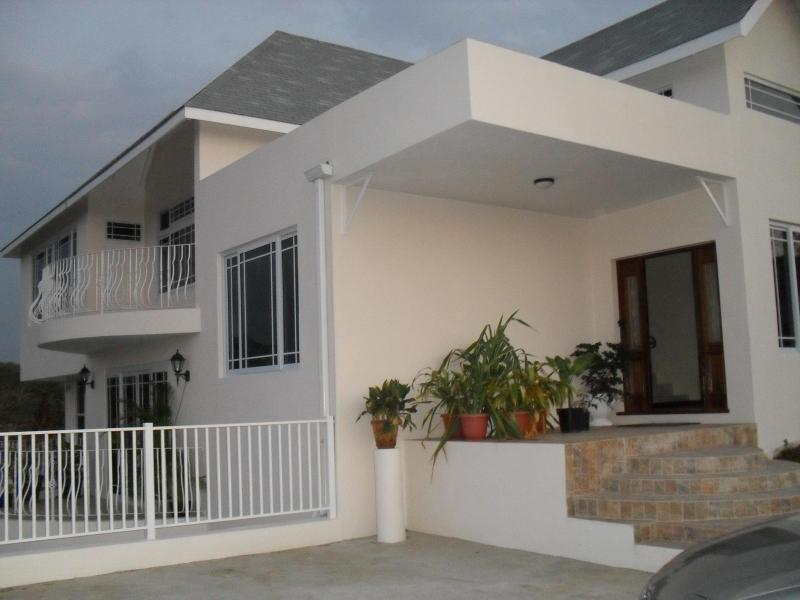 Entrance - New 3 bedroom home panoramic view Negril - Negril - rentals