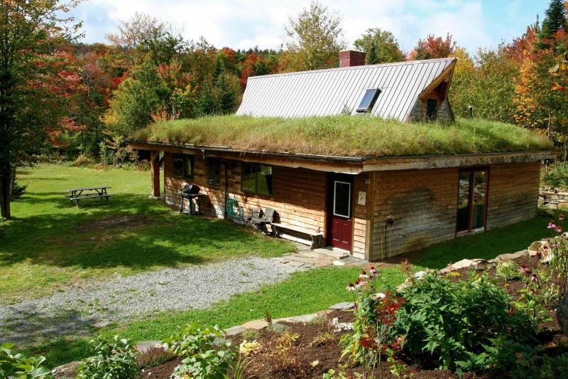 Willoughby Timber Frame - Eco-Friendly Mountainside Luxury Getaway - Westmore - rentals