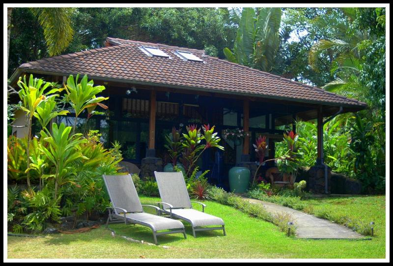 Private Yard for Sunbathing - Om Orchard - Kilauea - rentals