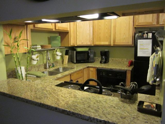 Updated kitchen with granite counters and new appliacnes - 2 BD/1BA WIFI - 2 miles from downtown/Salt Palace - Salt Lake City - rentals