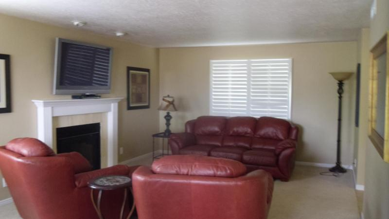 Stunning Condo with Amazing Views of Red Rock Mtns - Image 1 - Saint George - rentals