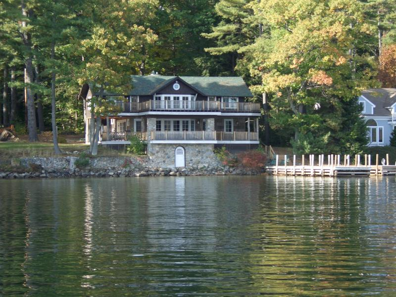Gorgeous home floats over the lake - Luxurious Winnipesaukee Lake home (On Golden Pond) - Wolfeboro - rentals