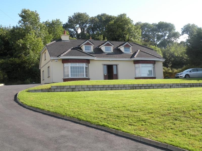 House Front - Fuchsia Heights in the Heart of Kerry - Killarney - rentals