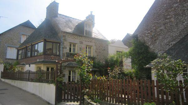 Traditional 2 bedroom cottage near Dinan (B018) - Image 1 - Dinan - rentals