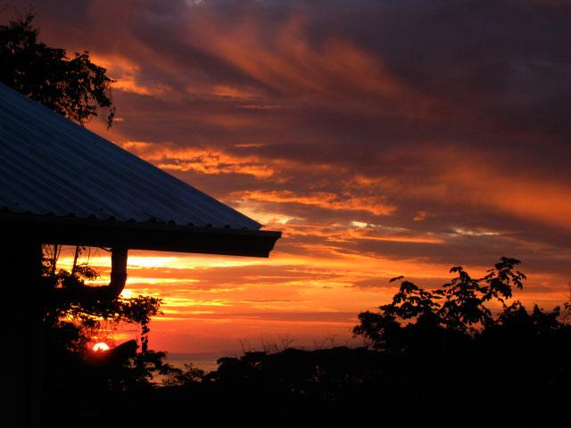 Sunset view over Pacific Ocean from patio. - Villa Tekla, gorgeous and spacious home with pool. - Manuel Antonio - rentals