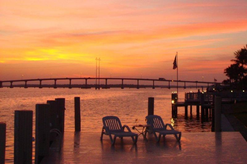Unique Views - Marco 3 BR Exceptional Views, Oversized Pool, WiFi - Marco Island - rentals