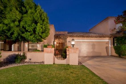 Front of Home - Luxury 2 Bed Patio Home  Wi-Fi, Pool, 30% off Golf - Scottsdale - rentals