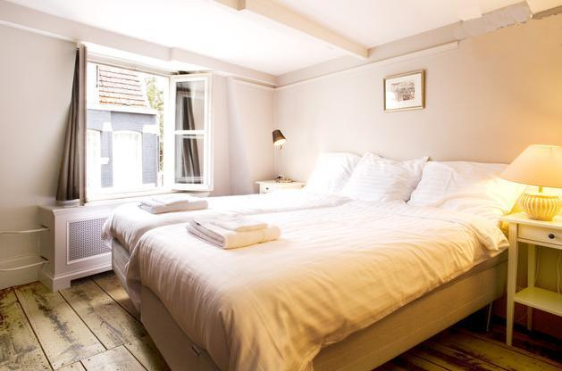 bedroom nr 2 (almost identical to bedroom nr 1) - Very Dutch and cosy flat in center - Amsterdam - rentals