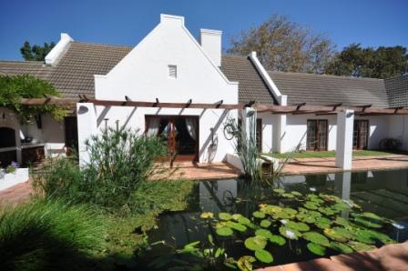 Courtyard - Chelaya Country Lodge - Somerset West - rentals