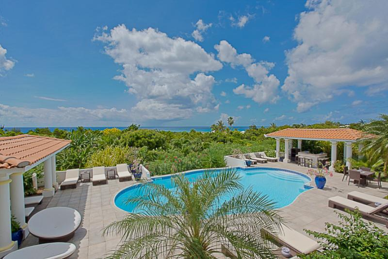 Pamplemousse...Terress Basses, French St. Martin - PAMPLEMOUSSE...an entertainer's delight! Great villa for a groupl of good friends wanting to party! - Terres Basses - rentals