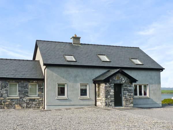SAN THERESE, family friendly, with a garden in New Quay, County Clare, Ref 4645 - Image 1 - New Quay - rentals