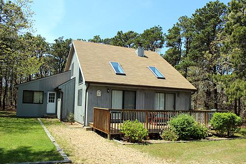 1595 - KATAMA BEACH HOUSE CLOSE TO BEACH & TOWN - Image 1 - Edgartown - rentals
