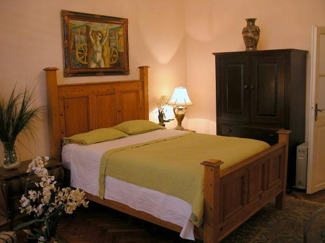 Comfy king-sized beds ensure a good night's sleep - Casa Bella-luxurious 3br apt in center of Old Town - Dubrovnik - rentals