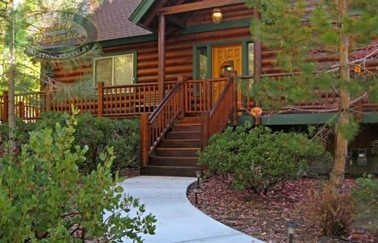 Bears Den - Front of the cabin - Bear`s Den - 3 Bedroom Vacation Rental in Big Bear Lake - Big Bear Lake - rentals