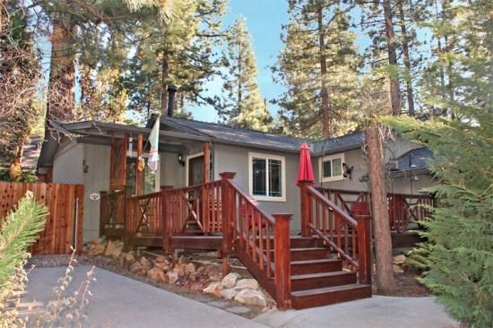 East of Paradise - Front of the cabin - East of Paradise - 2 Bedroom Vacation Rental in Big Bear Lake - Big Bear Lake - rentals