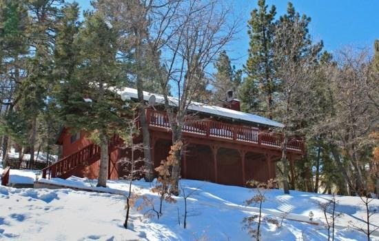 Whispering Heights - Front of the cabin in Winter - Whispering Heights - 2 Bedroom Vacation Rental in Big Bear Lake - Big Bear Lake - rentals