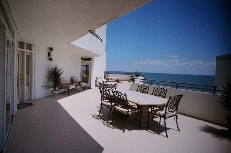 Beautiful large balcony  - Amazing Ocean Front 2 bedroom - Ocean City - rentals