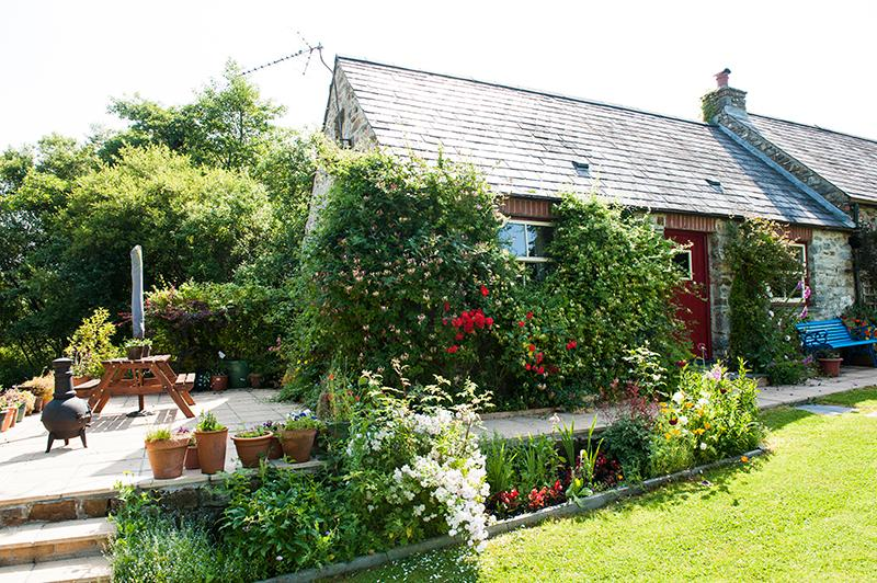 Holiday Cottage - Pond Cottage, Landshipping - Image 1 - Pembrokeshire - rentals