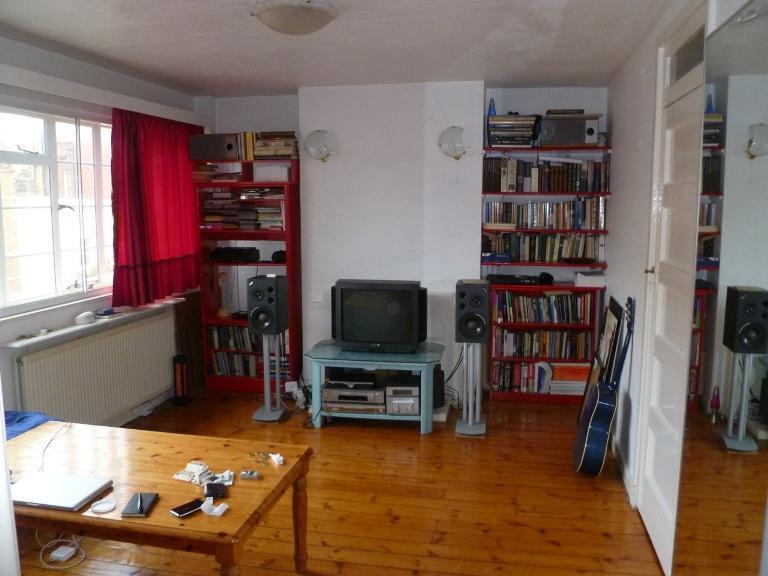 living room - A Home Away From Home, Central London (1-bed Apt) - London - rentals