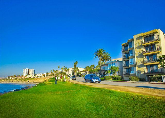 Condo on Coast Blvd. is across the street from the ocean - #201-La Jolla Village Condo with Endless Ocean Views - La Jolla - rentals