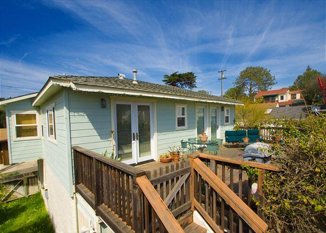 Charming Del Mar private cottage home is a short walk to beaches and shopping. - #128 - Del Mar Vacation Rental Cottage With Ocean Views - Del Mar - rentals