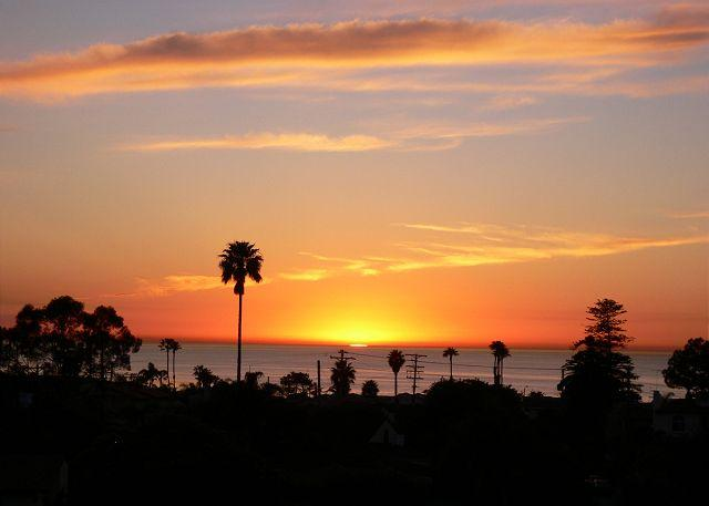 Enjoy the spectacular sunsets from your rooftop deck - #643 - Sunset Canyon - La Jolla - rentals