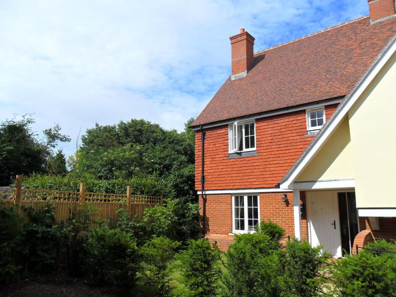 Frontview - Teacup Cottage near Canterbury - Kent - rentals