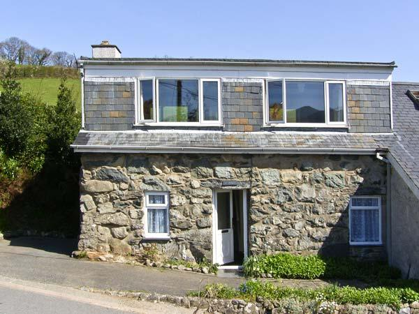 PENTY, pet friendly, country holiday cottage, with a garden in Dolgellau, Ref 6881 - Image 1 - Dolgellau - rentals
