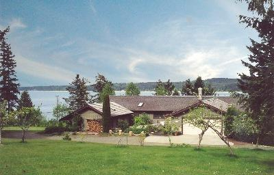 Baywood House - Seaside Charm at 2 bedroom  Baywood House Suites - Courtenay - rentals