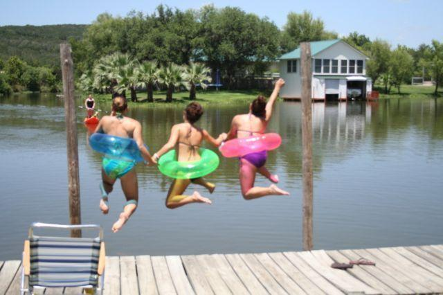 Swimming off the back yard - 2 Lake houses on Lake LBJ - sleeps 20 - 7 BR total - Kingsland - rentals