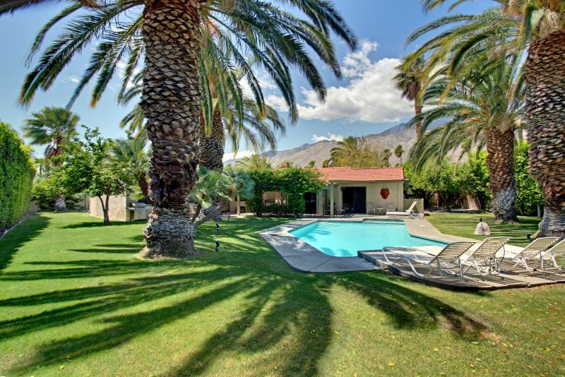 Enormous park like backyard with large sparking pool. - Majestic Palms - Highest Trip Adviser Rating! - Palm Springs - rentals