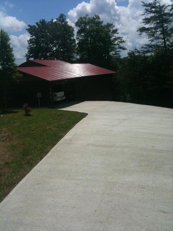 Cabin with large cement driveway and two car garge - Nottley River Retreat w River/Mtn Views-Secur WIFI - Murphy - rentals