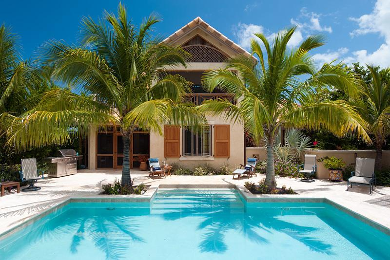 The pool and walled deck, where it all happens - Villa Rosso di Sera - Providenciales - rentals