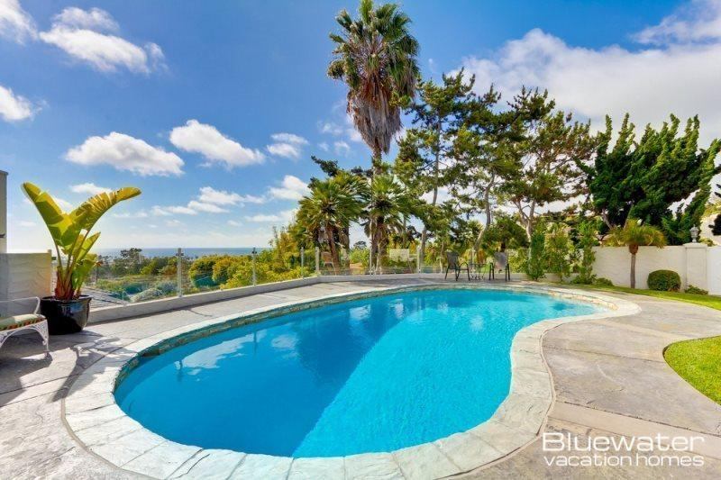 The perfect retreat home with Pacific Ocean Views a short walk to the sand - Bluewater Shores La Jolla - Pool, Spa, room for larger groups! - La Jolla - rentals