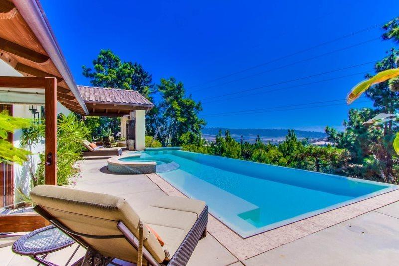 Luxury and comfort at its absolute finest in Del Mar - Casa Pacifica - Del Mar / Solana Beach view home with a pool! - Solana Beach - rentals