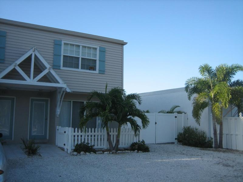 Townhouse Exterior - Sea Breeze Retreat! - Holmes Beach - rentals