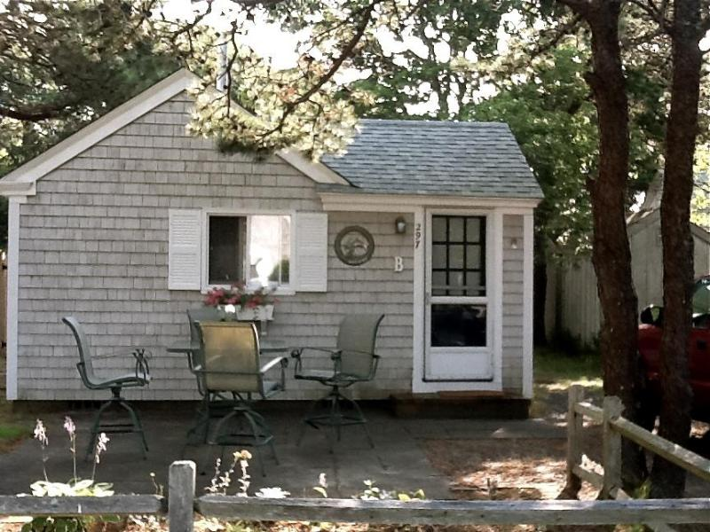 August 2011 - A Jewel of a Cottage, Just Steps from the Beach! - Dennis Port - rentals