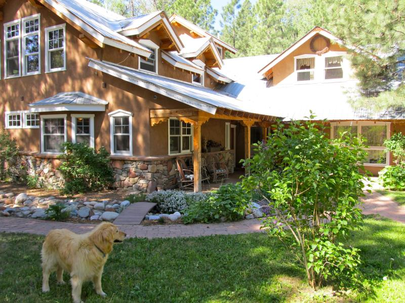 Front of House - Awesome Creekside Custom Home,Sleeps 2-16 - Durango - rentals
