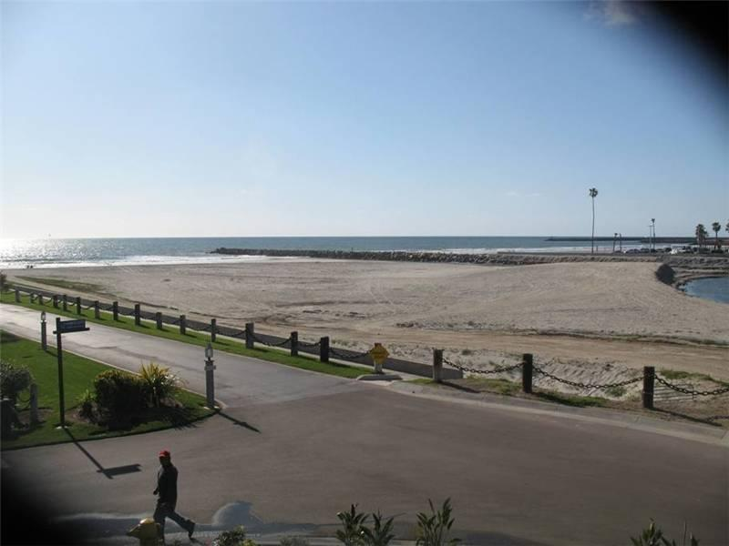 Ideal 1 Bedroom & 1 Bathroom House in Oceanside (999 N. Pacific St. #G36) - Image 1 - Oceanside - rentals