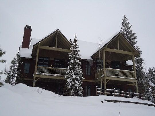 Three-story townhome overlooking the main lift at Tamarack - Goldenbench 27 - Three Bedroom, Three Bedroom Townhome. Sleeps 8. Internet. Pet Friendly - Tamarack Resort - rentals