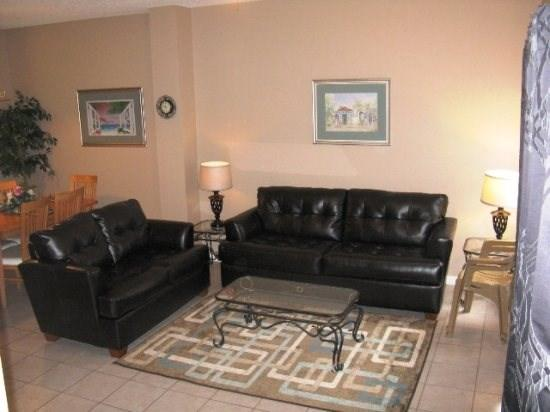 Leather Furniture, Tile Floors, Flat Screen TV, WiFi,  - Newly renovated! Affordable Lake Berkley Vacation Townhome Close to Disney World - Kissimmee - rentals