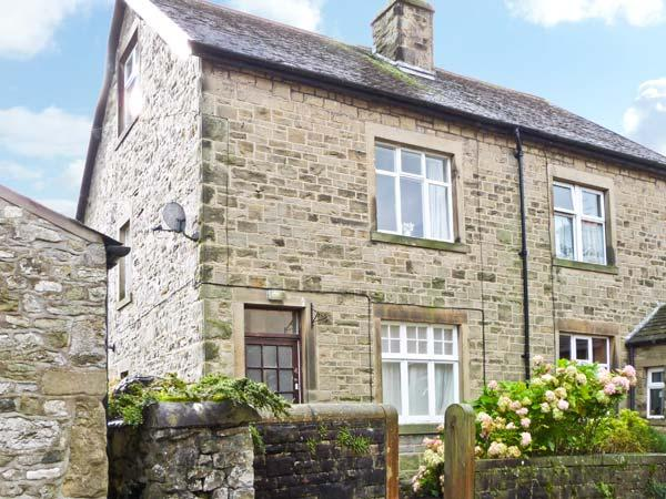 LOW FOLD COTTAGE, pet friendly, country holiday cottage, with a garden in Langcliffe, Ref 6375 - Image 1 - Langcliffe - rentals